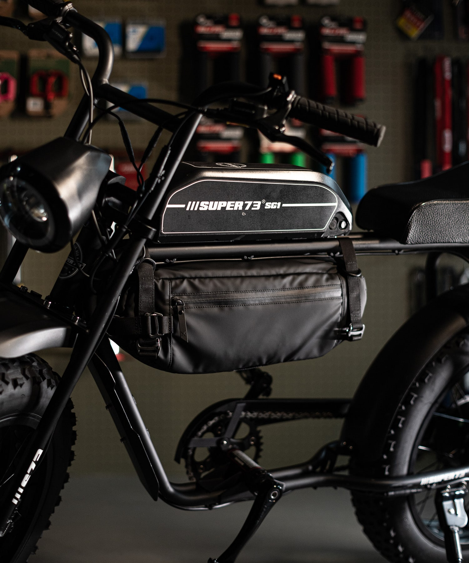 MBG Design by MAKAVELIC  BICYCLE  BATTERY BAG